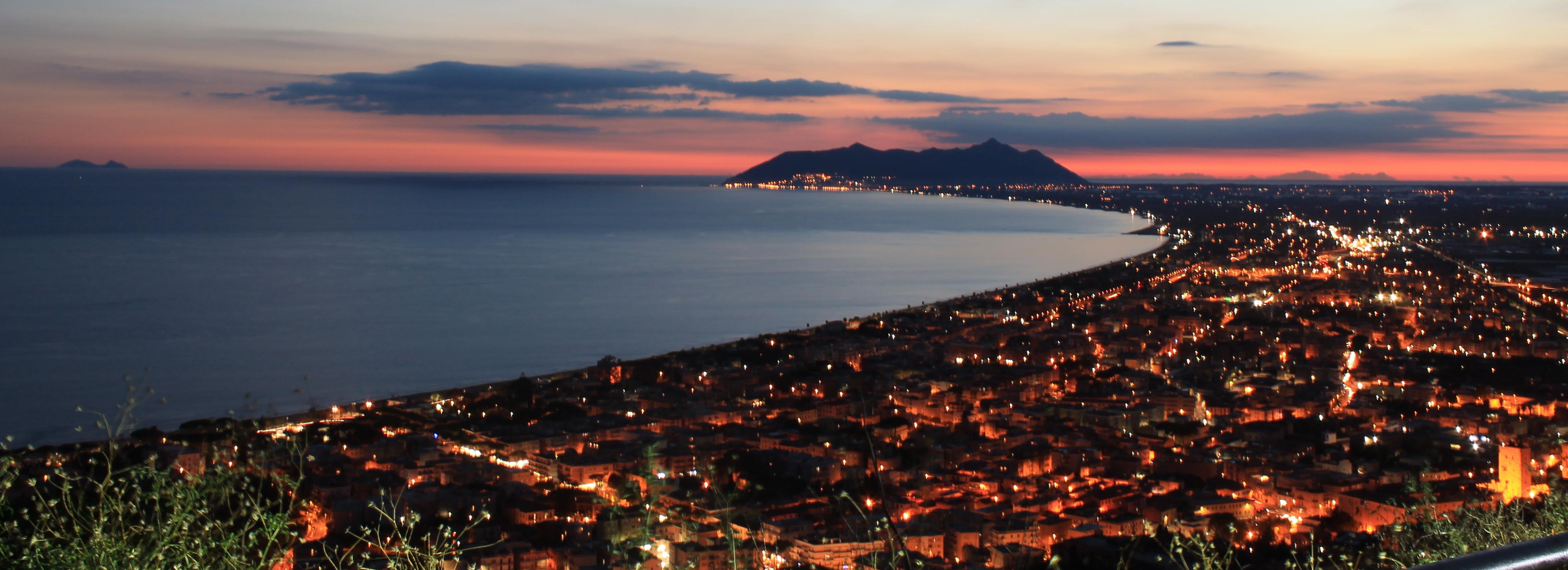 Tempio_di_Giove_-_panorama_al_tramonto